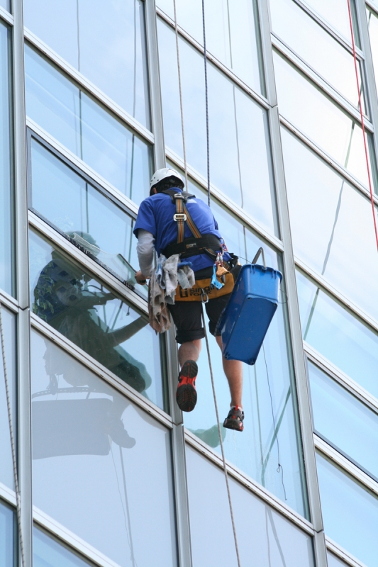 Umývanie okien pomocou zlaňovania